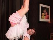 tranny-pole-dancing-06